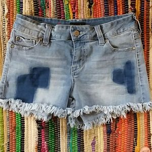 Celebrity pink size 3 distressed shorts
